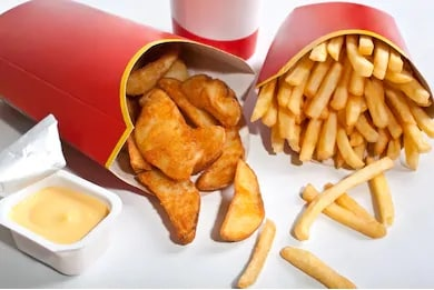 Junk food contains high level carbohydrates and calories