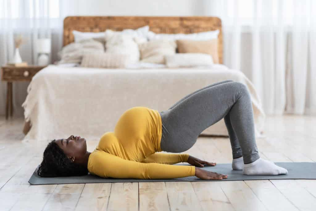 heel side exercise done by a pregnant woman