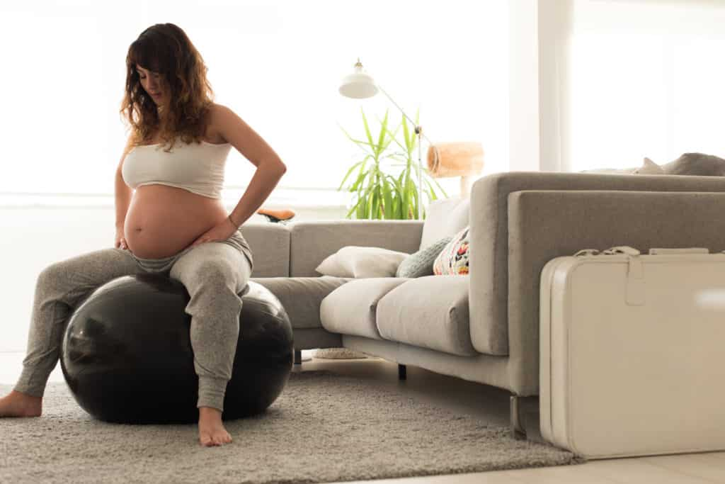 woman doing the kegel abs exercise