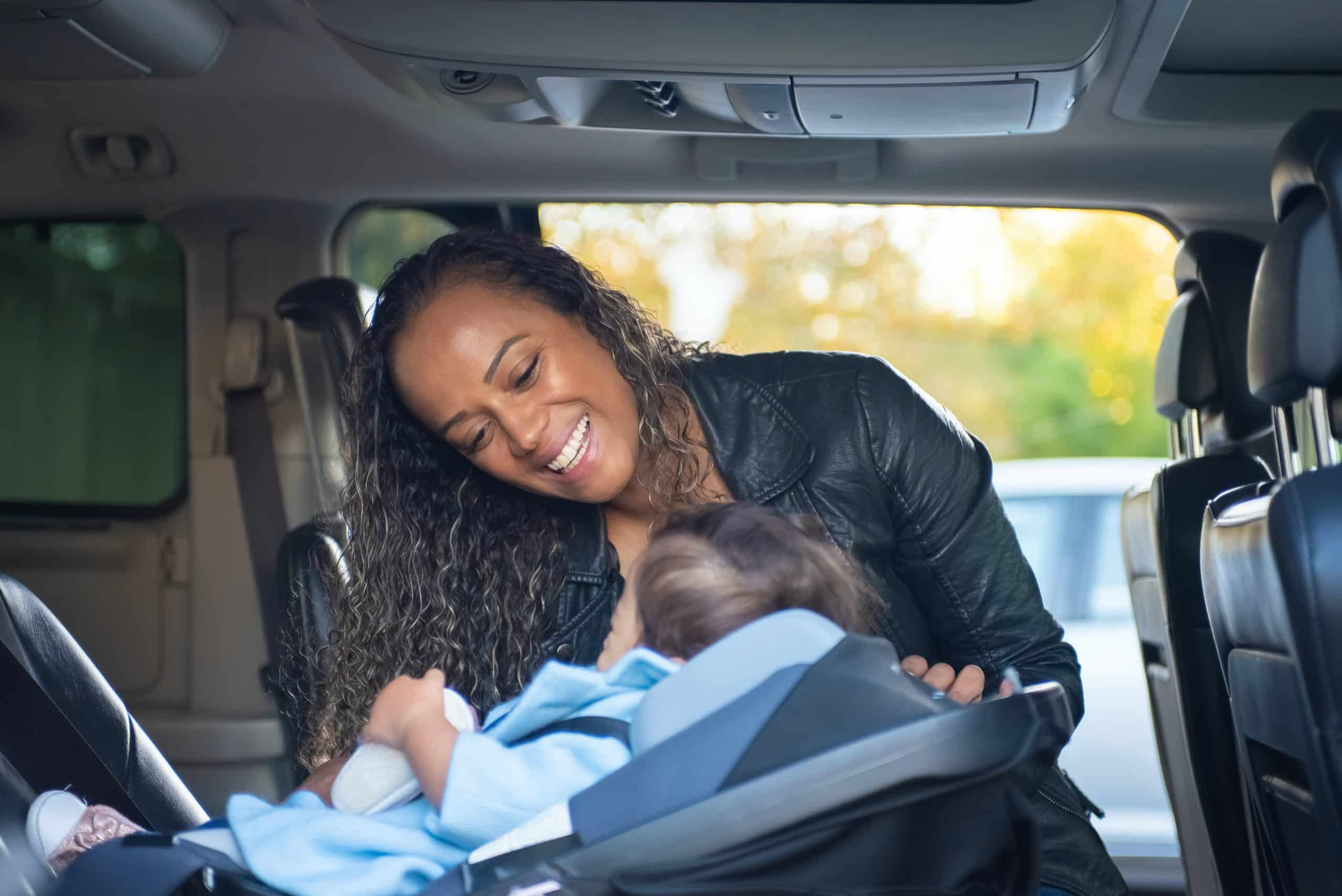 Mum and child in a car