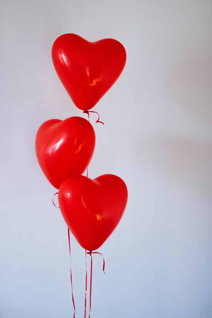 red love ballons